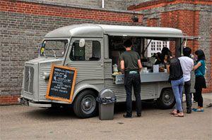 Передвижное кафе на колесах